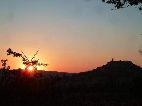 Lever de soleil à Cordes sur Ciel