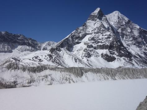 Lac Imja Tso et l'Ampu Lapsa