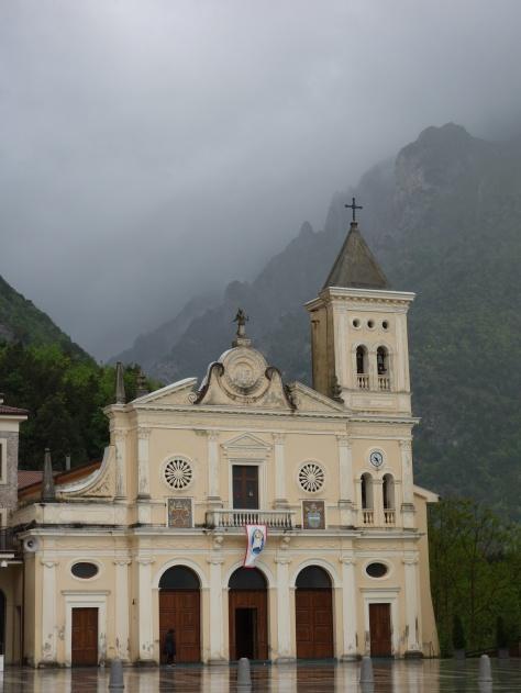 Madonna di Pettoruto et les montagnes du Pollino