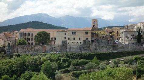 Isernia et les sommets des Abruzzes